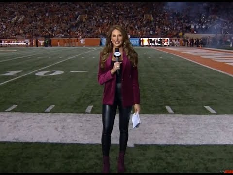 Holly Sonders in Tight Leather Pants (FOX Sports) – 11/24/2017