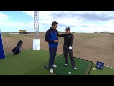 Gary Player takes the 99yd Challenge on the Zen Green Stage