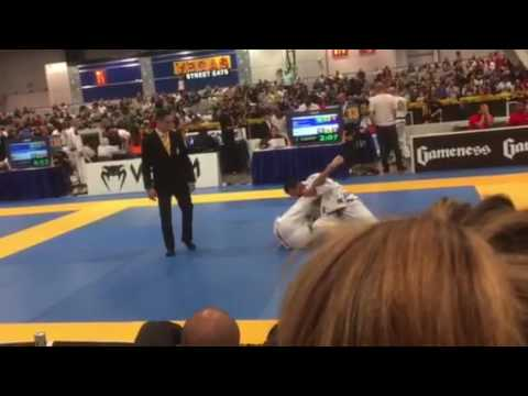 Charlie Woods fight. World Masters 2016